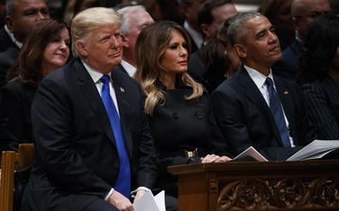 Donald Tramp, njegova supruga Melanija Tramp i Barak Obama