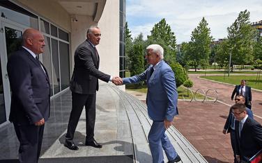 Premijer prilikom posjete rektoru UCG Danilu Nikoliću