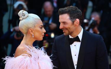Lejdi Gaga i Bredli Kuper