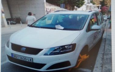 Automobil tri dana bio parkiran na Pristanu