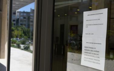 Poruka za građane na zgradi Uprave