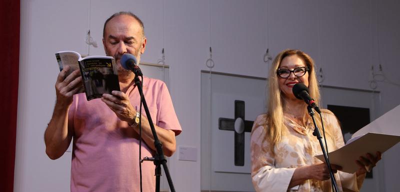 Vujović i Danica Maksimović na promiciji u Baru