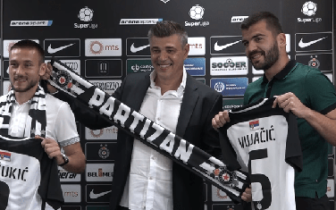 Pešukić i Vujačić sa trenerom Partizana Miloševićem