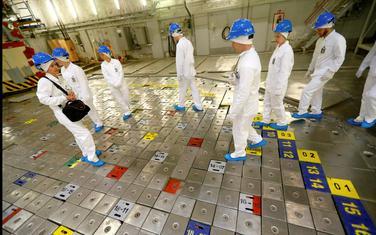 Turisti hodaju po nuklearnom reaktoru u elektrani Ignalina u Litvaniji
