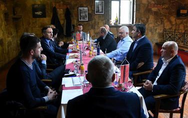 """Izborno zakonodavstvo pogoršalo odnose: Sa jednog od sastanka lidera opozicije i pokreta """"Odupri se"""""""