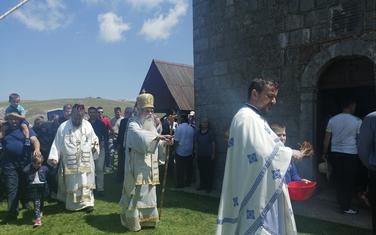 Mitropolit Amfilohije sa sveštenstvom tokom liturgije na Sinjajevin