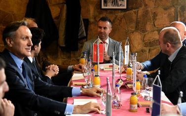 DPS nevoljno prihvatio promjene u odboru, opozicija to ne koristi: Čelnici opozicije
