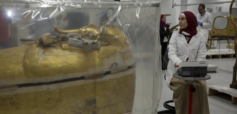 Pozlaćeni sarkofag