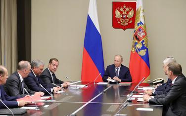 Putin na sjednici Savjeta