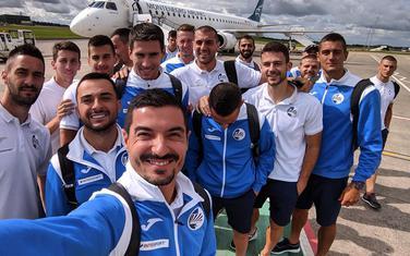 Fudbaleri Sutjeske po slijetanju u Belfast