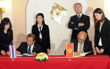 Sa Crnom Gorom prije šest godina potpisan sporazum: Šinavatra, Đukanović i predstavnici ministarstava inostranih poslova dviju država