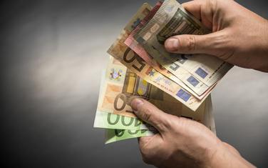 Ekonomskog rasta još nema u džepovima građana (ilustracija)
