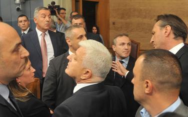 Nijesu rijetki ni pokušaji fizičkih obračuna: Rasprava Đukanovića sa poslanicima DF-a