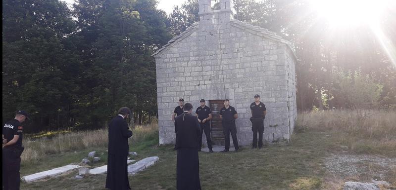 Danas ispred crkve na Ivanovim koritima