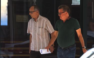 Mihailo Banjević (desno) i advokat Tomislav Dedić nakon saslušanja u Specijalnom tužilaštvu