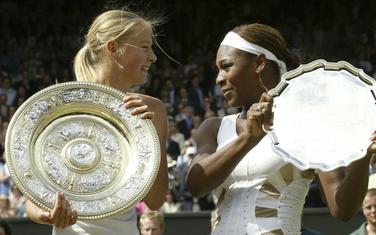 Rivalstvo dugo 15 godina: Marija Šarapova i Serena Vilijams nakon finala Vimbldona 2004.