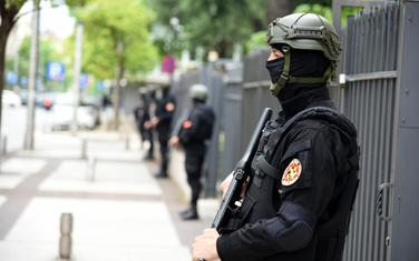 Sud iduće sedmice odlučuje o predlogu Tužilaštva: Policija ispred Višeg suda (ilustracija)