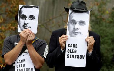 Demonstranti tražili oslobađanje Sencova
