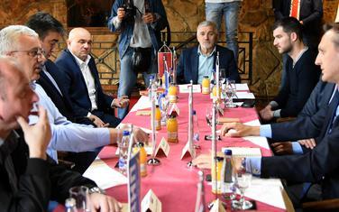 Hoće li opozicija opet za isti sto?