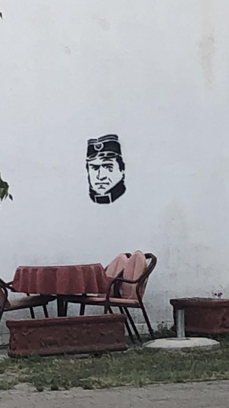 """Ratni zločinac """"ukrašava"""" fasade"""