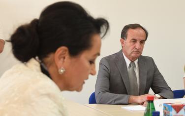Da li je trebalo da se izuzmu iz odlučivanja: Medenica i Vukčević