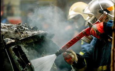 Pune ruke posla za vatrogasce (ilustracija)
