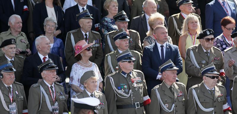 Sa ceremonije pred Grobom neznanog junaka na Trgu Pilsudskog u Varšavi