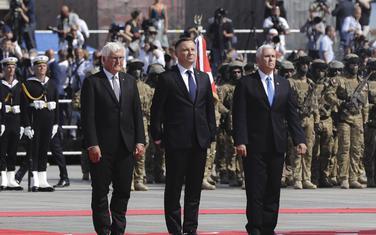 Pens, Duda i Štajnmajer juče u Varšavi