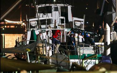 Četiri tijela spasioci pronašli nedaleko od olupine broda