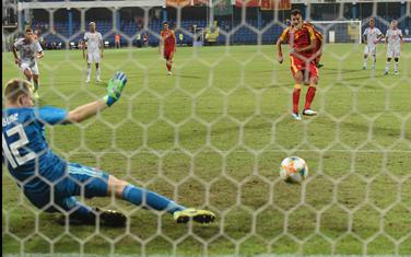 Mugoša daje gol iz penala
