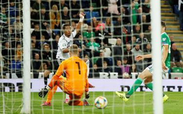 Gnabri postiže drugi gol za Njemačku