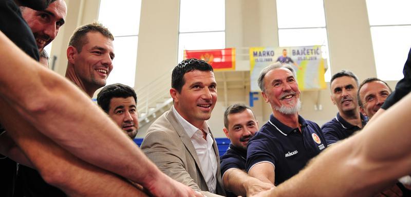 Odbojkaši Crne Gore i ministar Nikola Janović