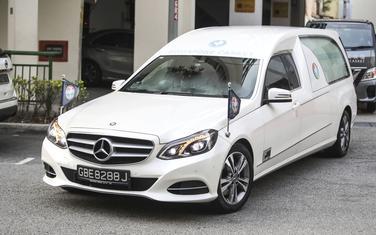 Automobil sa Mugabeovim tijelom