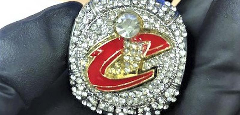 Jedan od zaplijenjenih prstenova