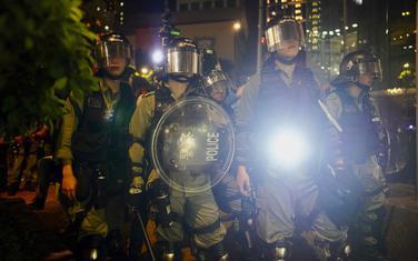 Policija na ulicama Hong Konga