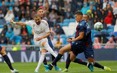 Karim Benzema na meču sa Levanteom
