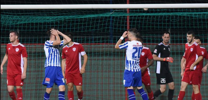 Fudbaleri Budućnosti nakon jednog od promašaja pred golom Titograda