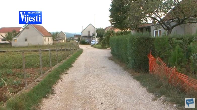 Neasfaltirana ulica u Kočanima