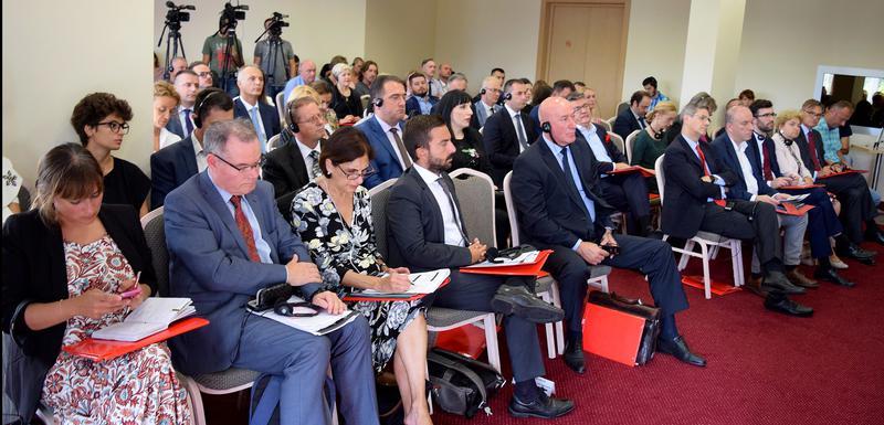 Polaine (drugi s lijeva) na nedavnoj konferenciji MANS-a o oduzimanju imovine stečene kriminalom