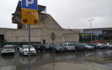 Parking kod Doma revolucije