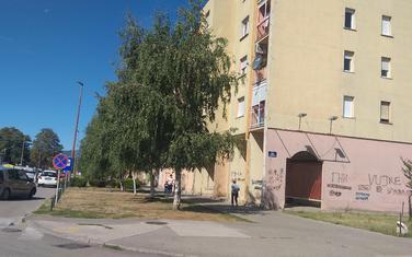 Zgrada preko puta bolnice u Nikšiću