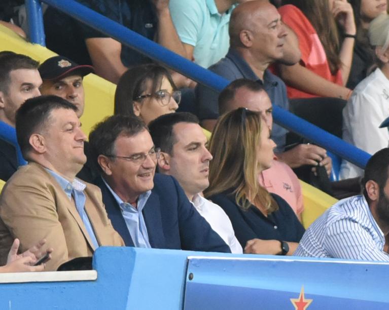 Predrag Mitrović, Veselin Mijač i Ivan Vuković u loži stadiona pod Goricom