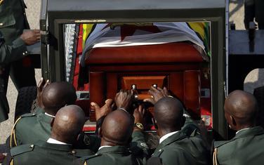Kovčeg za Mugabeovim tijelom