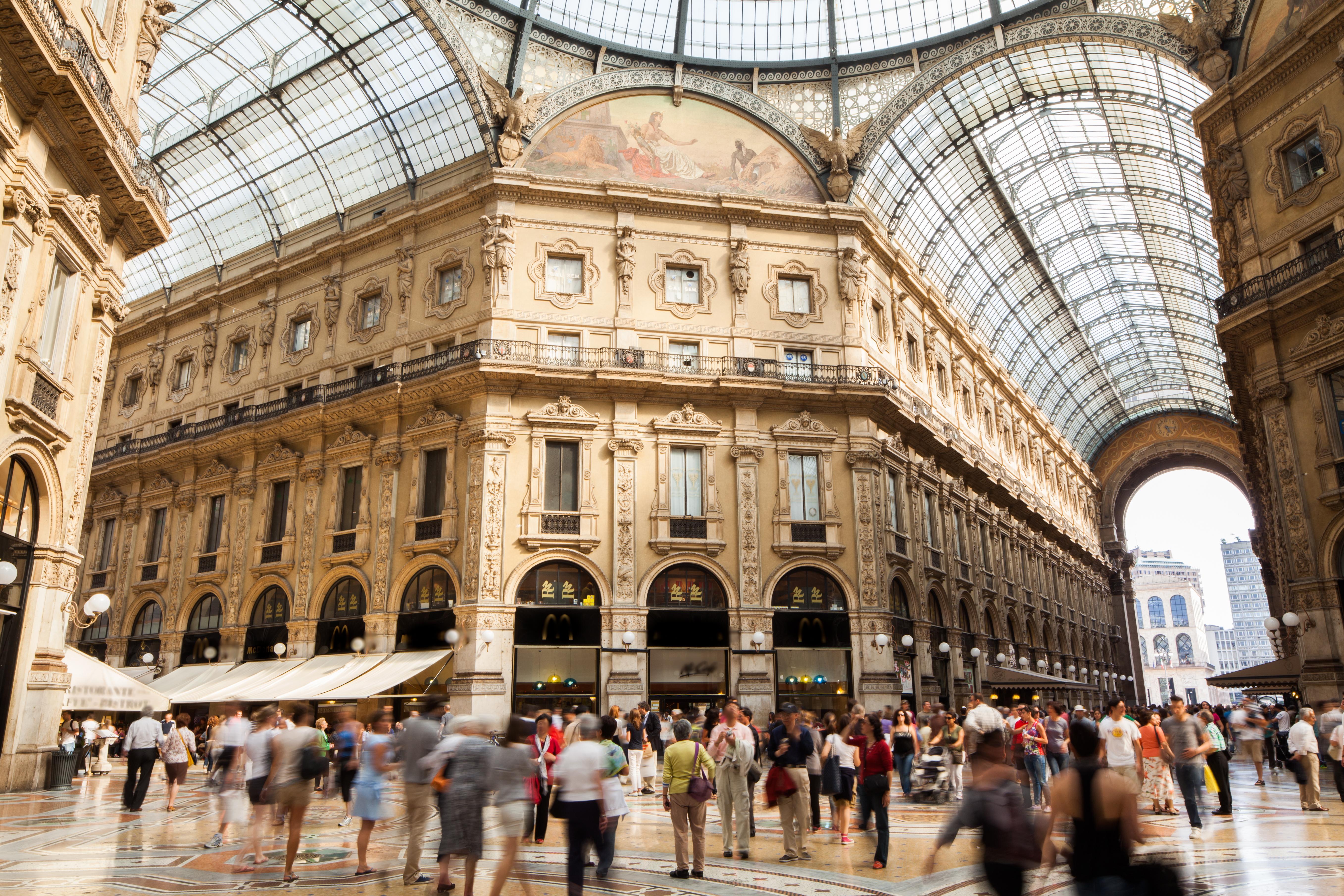 """Milano je centar mode: Šoping mol galerija """"Vittorio Emanuele 2"""" (foto: Shutterstock)"""