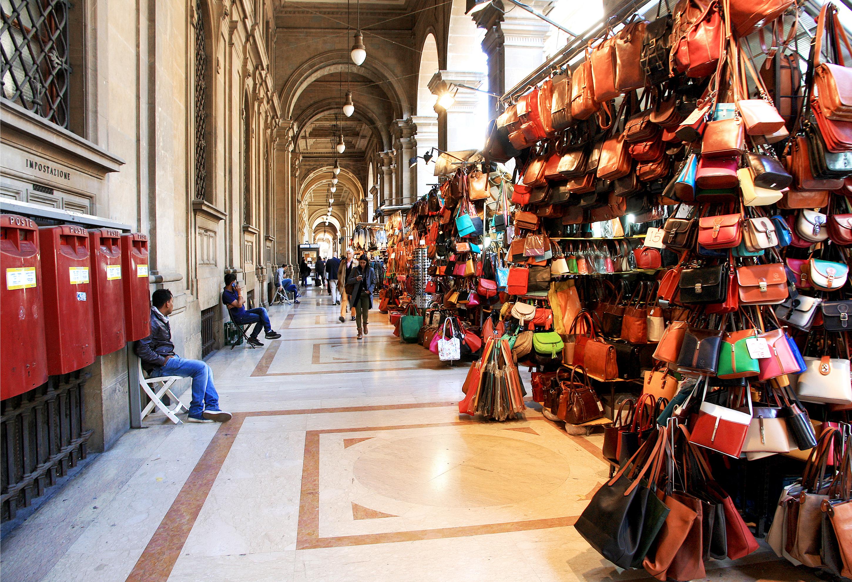 Veliki izbor kožne galanterije na ulicama Firence (foto: Shutterstock)