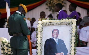 Sa sahrane bivšeg lidera Zimbabvea
