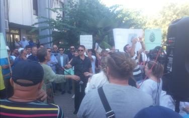 Sa protesta ispred zgrade Opštine