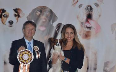 Pobjednički pas sa vlasnicom