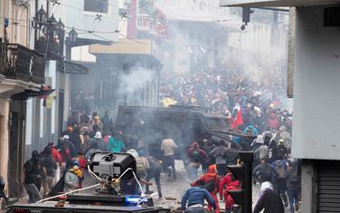 Neredi u gradu Kvinto
