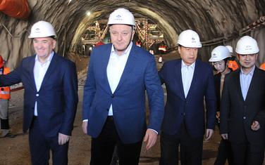 Koliko će dionica na kraju da košta?: Premijer i ministar sa izvođačim